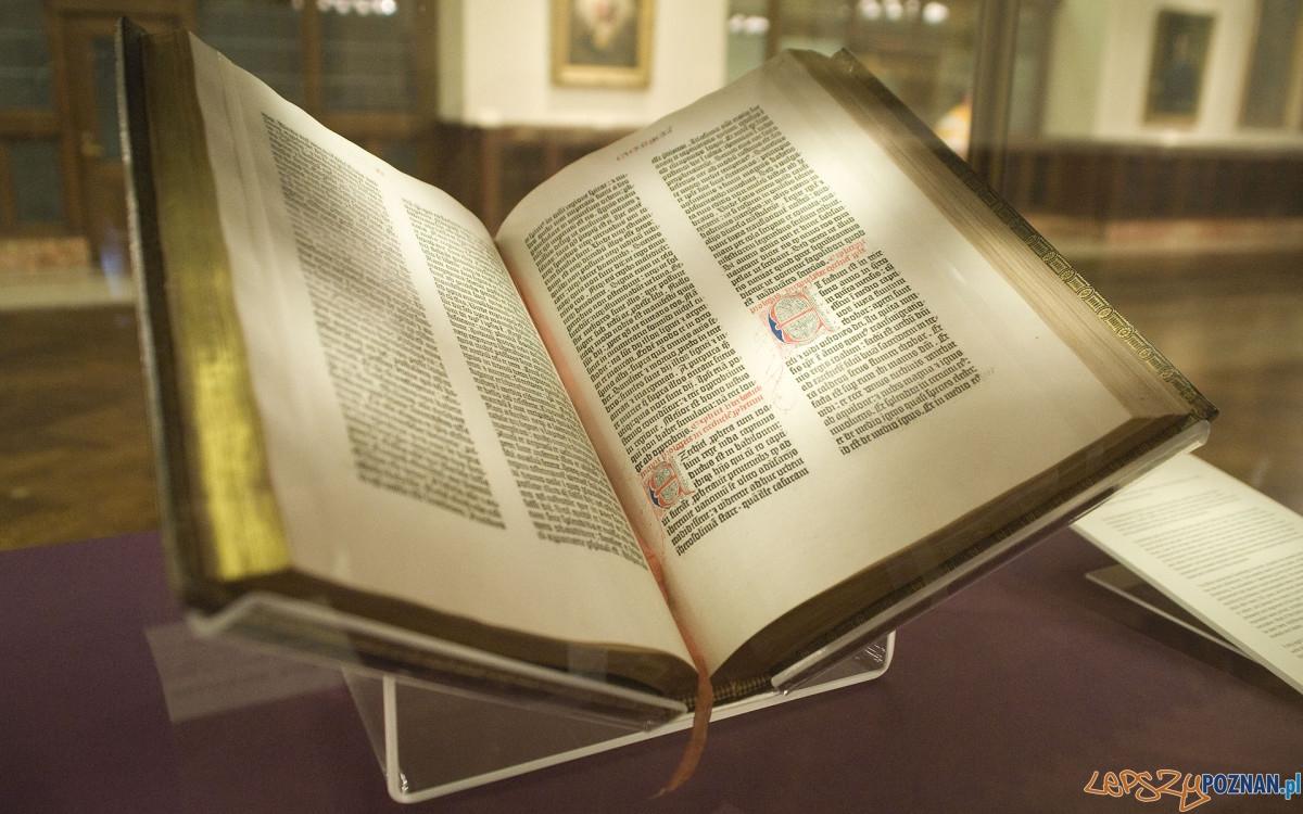 Biblia Gutenberga z Biblioteki Publicznej w Nowym Jorku
