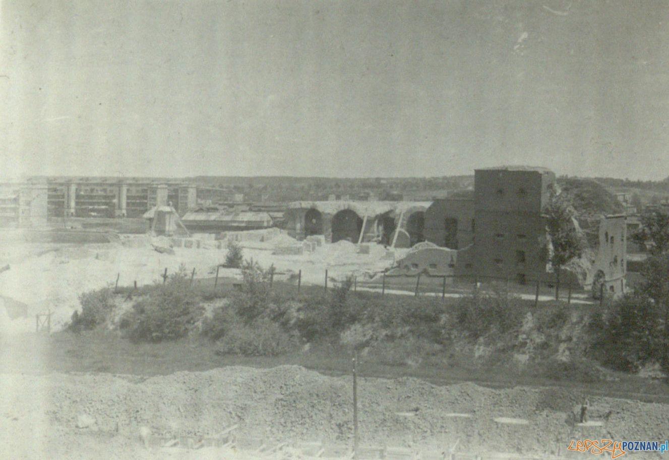 Fort Reformatów i widok na budynki na Zawadach - 1936  Foto: Ośrodek dla Głuchoniemych na Śródce / Cyryl
