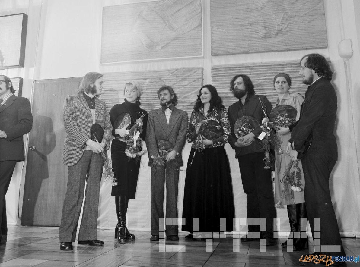 Wręczenie Medali Młodej Sztuki w Galerii Nowa 1975