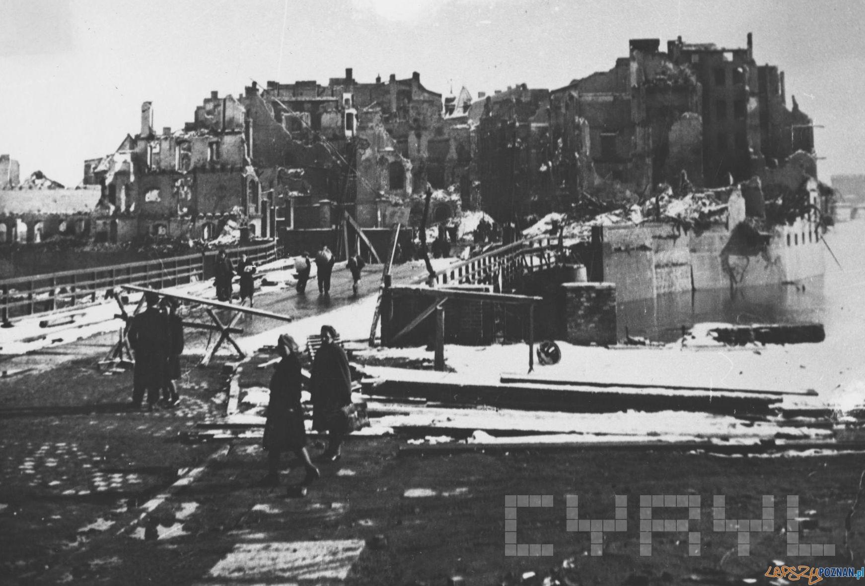 Chwaliszewo - 1945  Foto: Zbigniew Zielonacki, kolekcja Adama Drogomireckiego / Cyryl