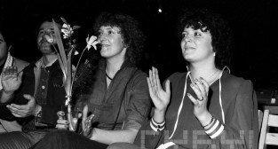 Próba generalna przed koncertem z okazji 30-lecia Estrady Poznańskiej, pierwsza z prawej Hanna Banaszak - 7-8.03.1980