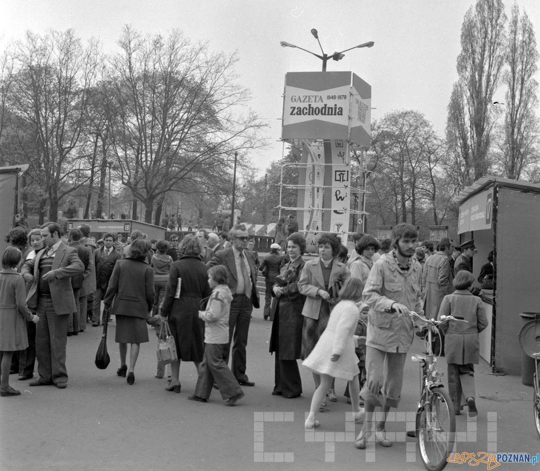 Kiermasz książek w Parku Mickewicza 30.04.1978