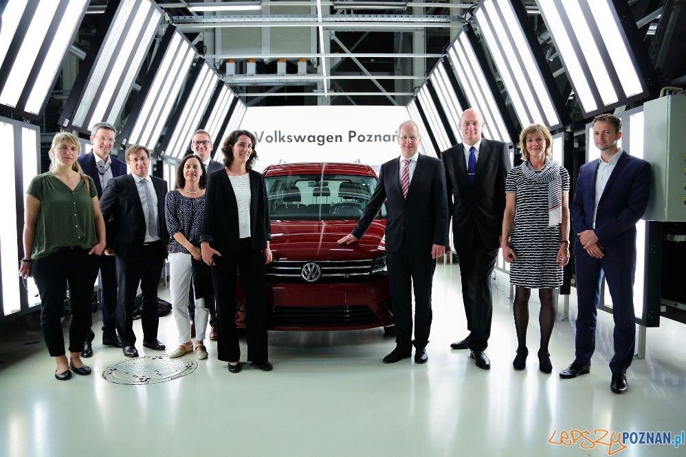 Burmistrz Hanoweru w zakładach Volkswagena w Antoninku (1)  Foto: VW Poznan L.Zech