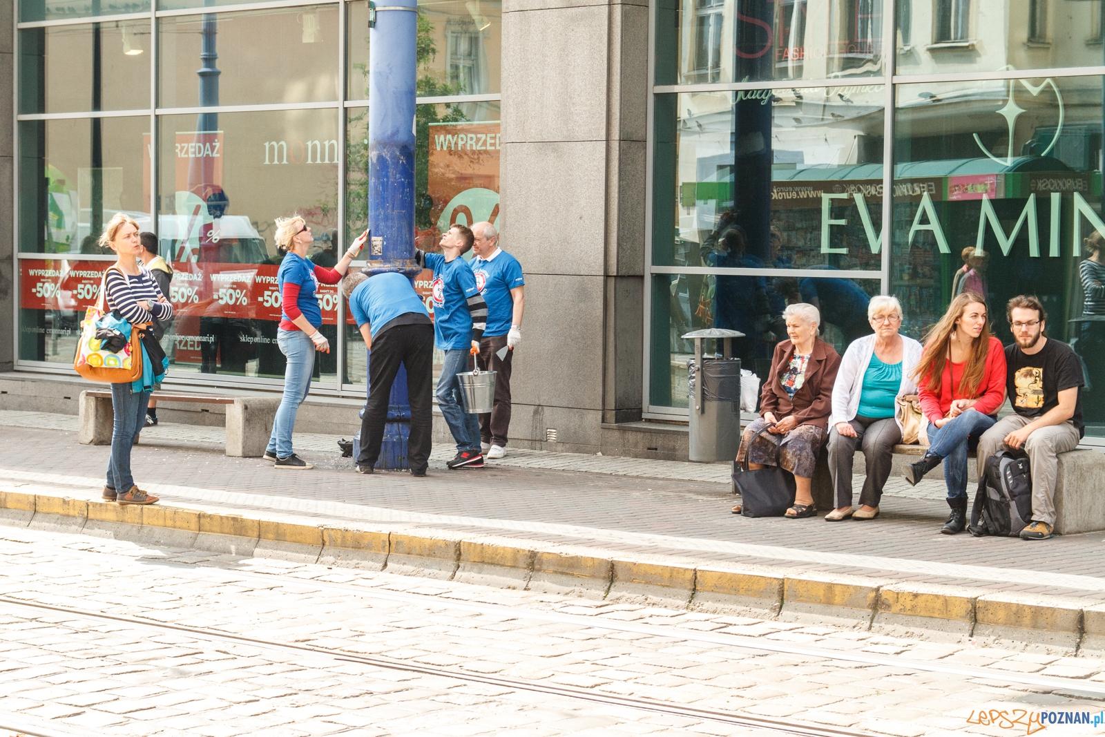"""Akcja """"Czyste słupy"""" na ulicy Podgórnej - Poznań 18.06.20  Foto: LepszyPOZNAN.pl / Paweł Rychter"""