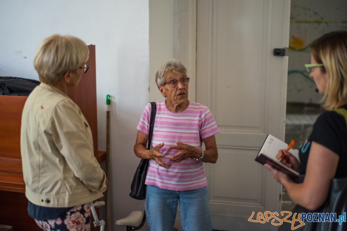 Wizyta starszej pani w Murowanej Goslinie (1)