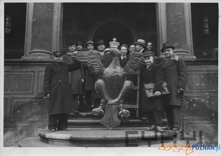 Orzeł z ratuszowej wieży 27.12.1945