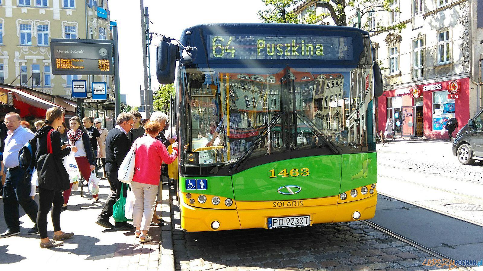 Autobus 64 na Kraszewskiego