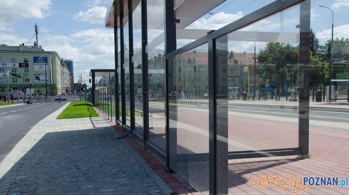Dabrowskiego - wiata tramwajowa