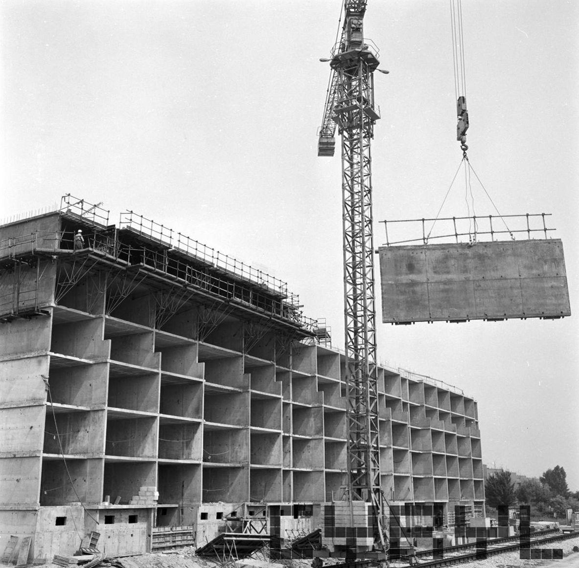 Klin Dębiecki - budowa bloków mieszkaniowych - maj1979
