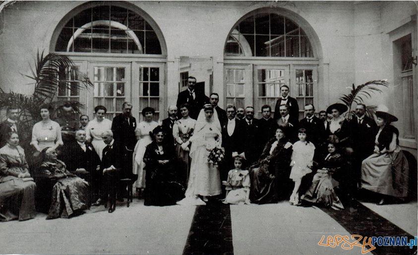 Ślub Pauliny z Radońskich z Rzeziwia z Kazimierzem Grabowskim ze Zbierki - w hallu Hotelu Bazar - okres międzywojenny