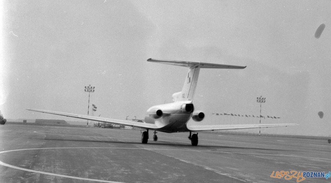 Samolot z Mirosławem Hermaszewskim na pokładzie ląduje na Ławicy z okazji wizyty kosmonauty w Poznaniu – 17.07.1978