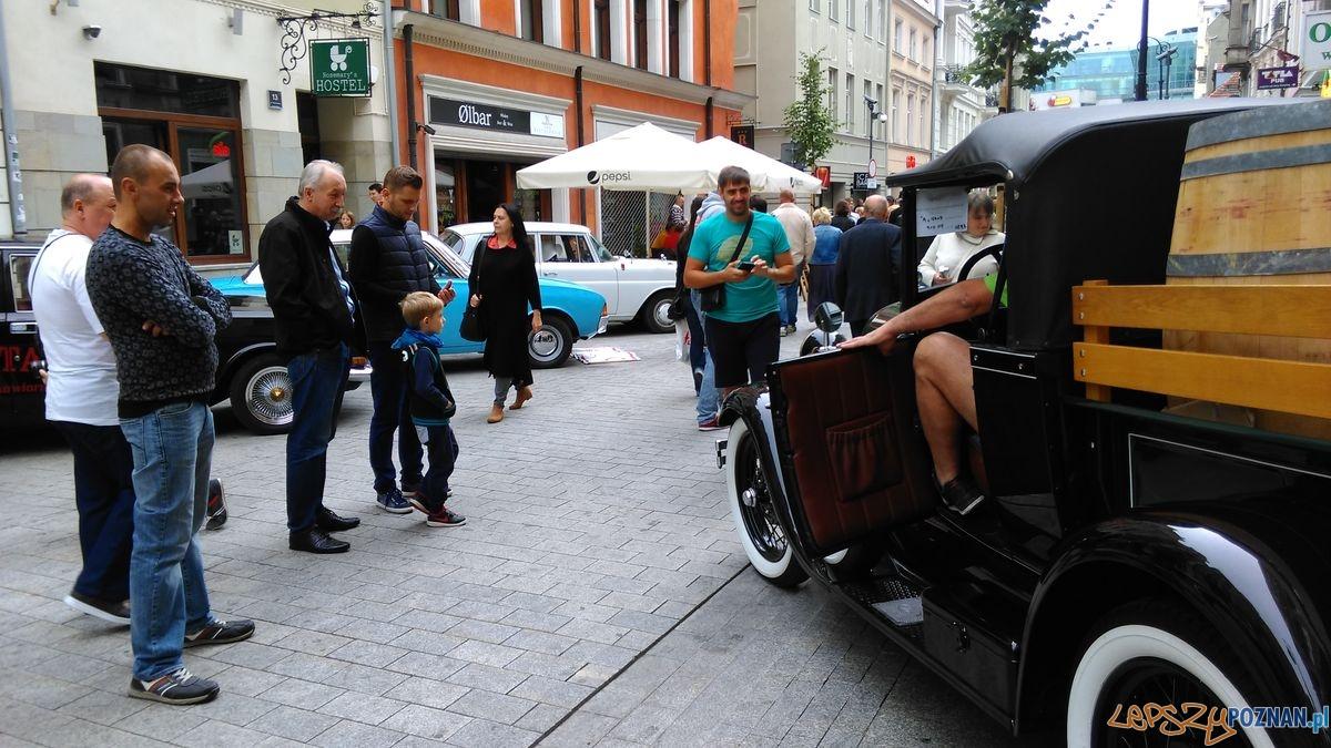 dni-starego-miasta-zabytkowe-samochody-na-wroclawskiej-fot-t-30  Foto: