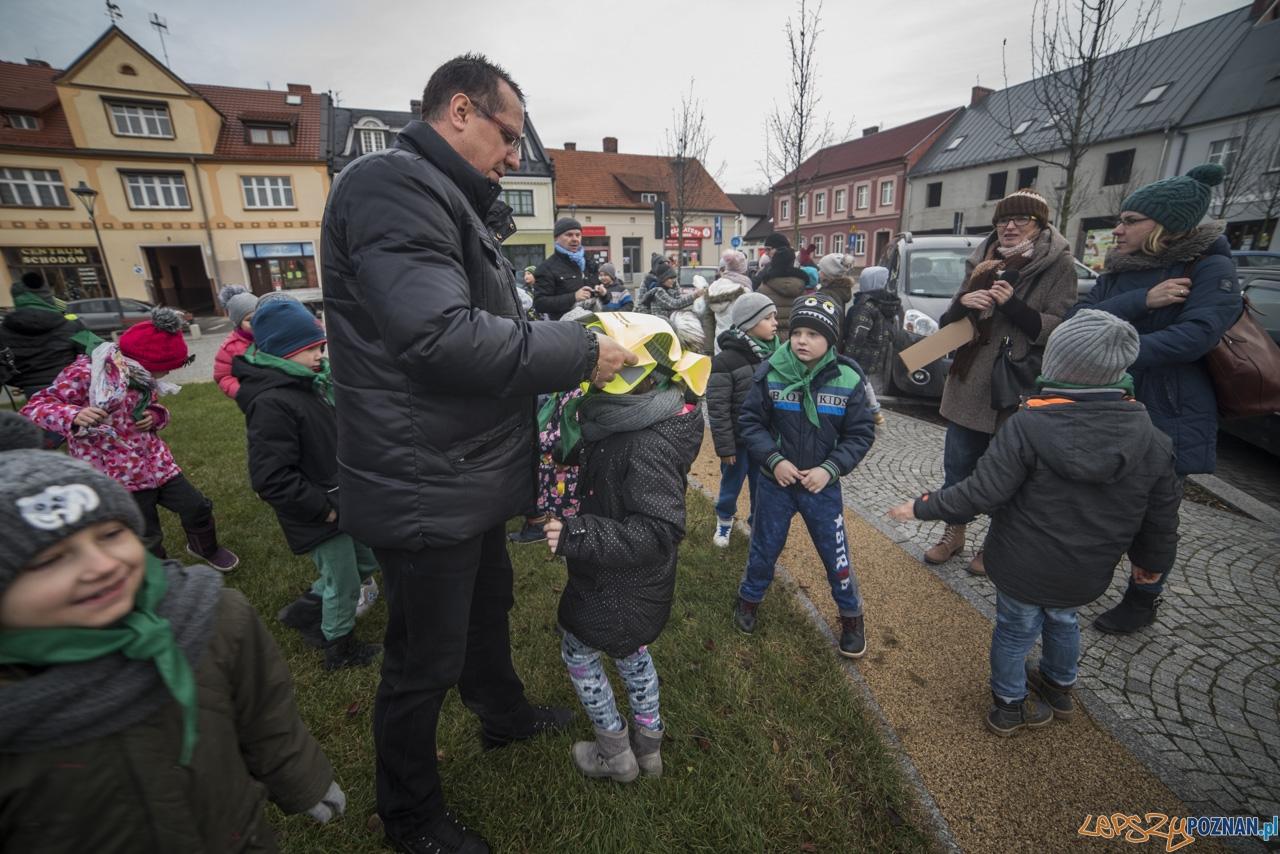 Choinka wspólnie udekorowana  Foto: UMiG Murowana Goślina / Kamil Grzebyta