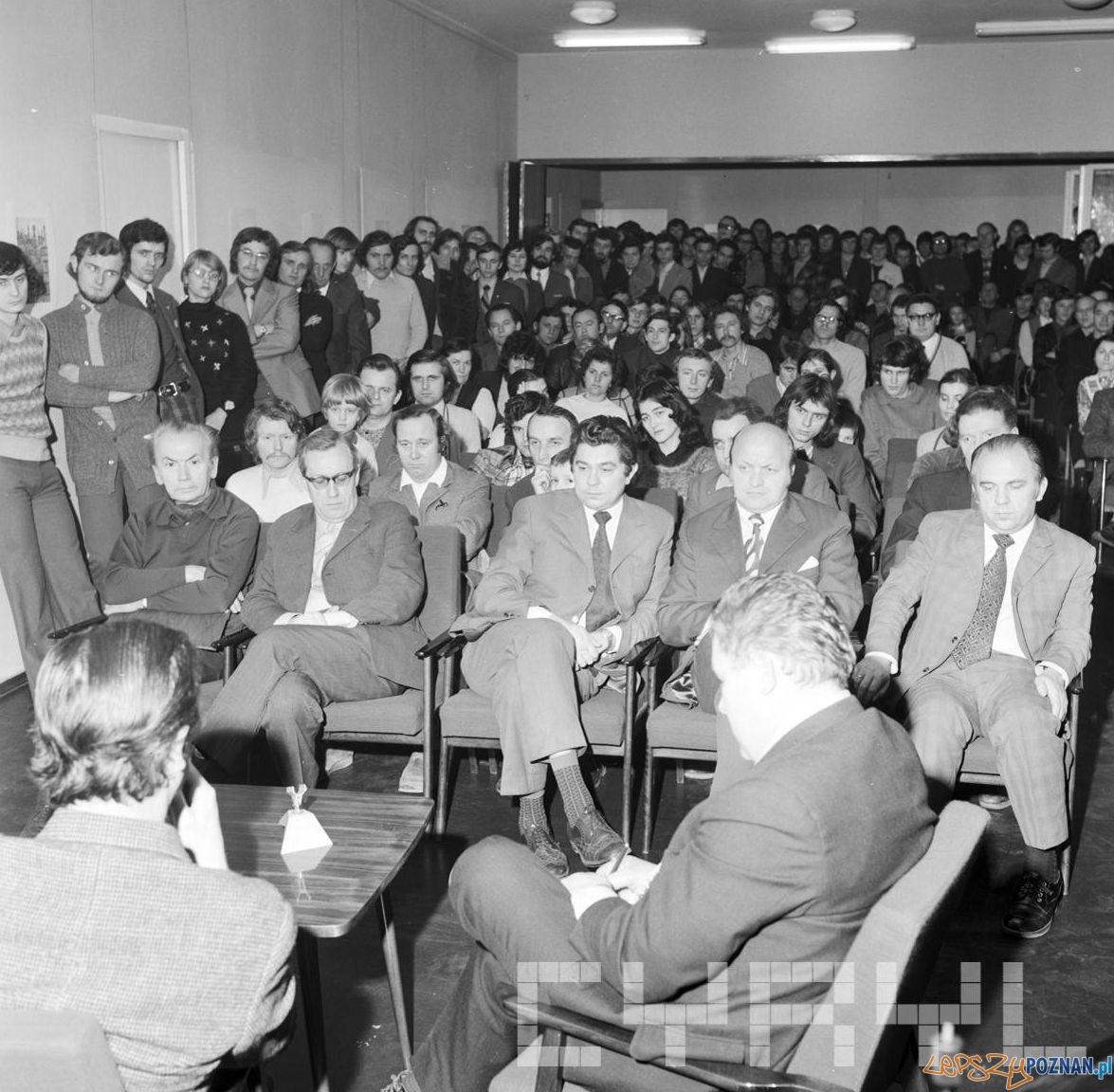 Spotkanie z redaktorem Bohdanem Tomaszewskim w Klubie Międzynarodowej Prasy i Książki - 17.01.1974  Foto: Stanisław Wiktor / Cyryl