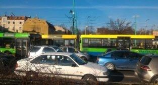 Zderzenie autobusów na Śródce