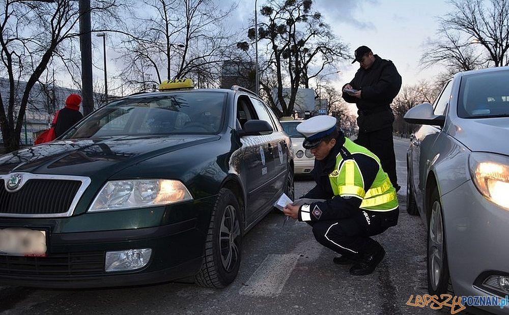 Taxi - kontrola policji  Foto: KMP