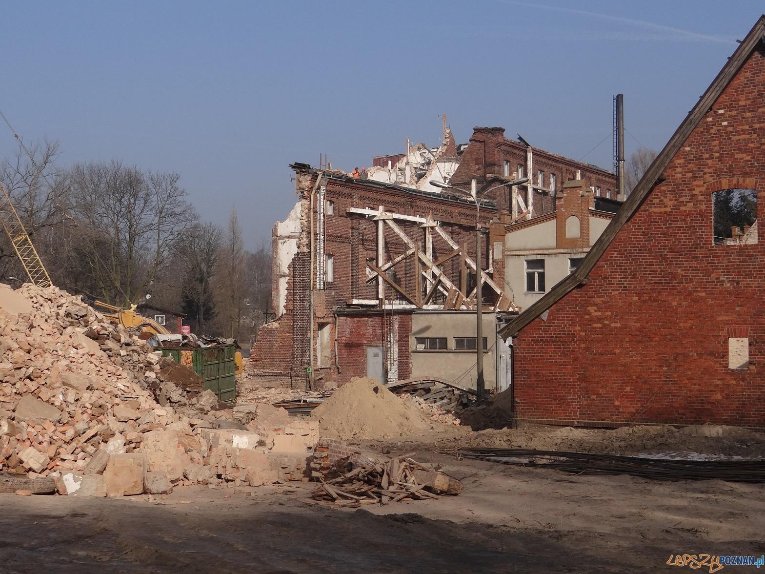 Zielniec - zabytkowy młyn zniszczony!  Foto: UMP