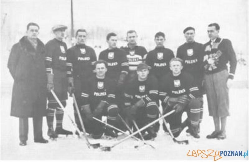 Reprezentacja Polski w Hokeju - rok 1932  Foto: wikipedia