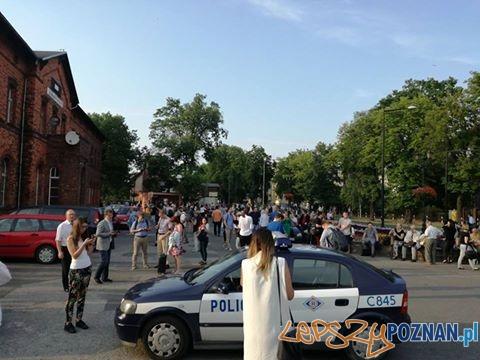 ewakuacja pociągu po alarmie bomb  Foto: fb / Kolejowe Mogilno