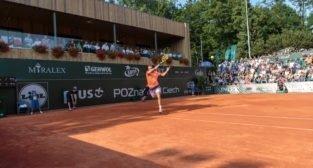 Goncalo Oliveira (POR) vs Jerzy Janowicz (POL) - Poznań Open 20  Foto: Pawel Rychter