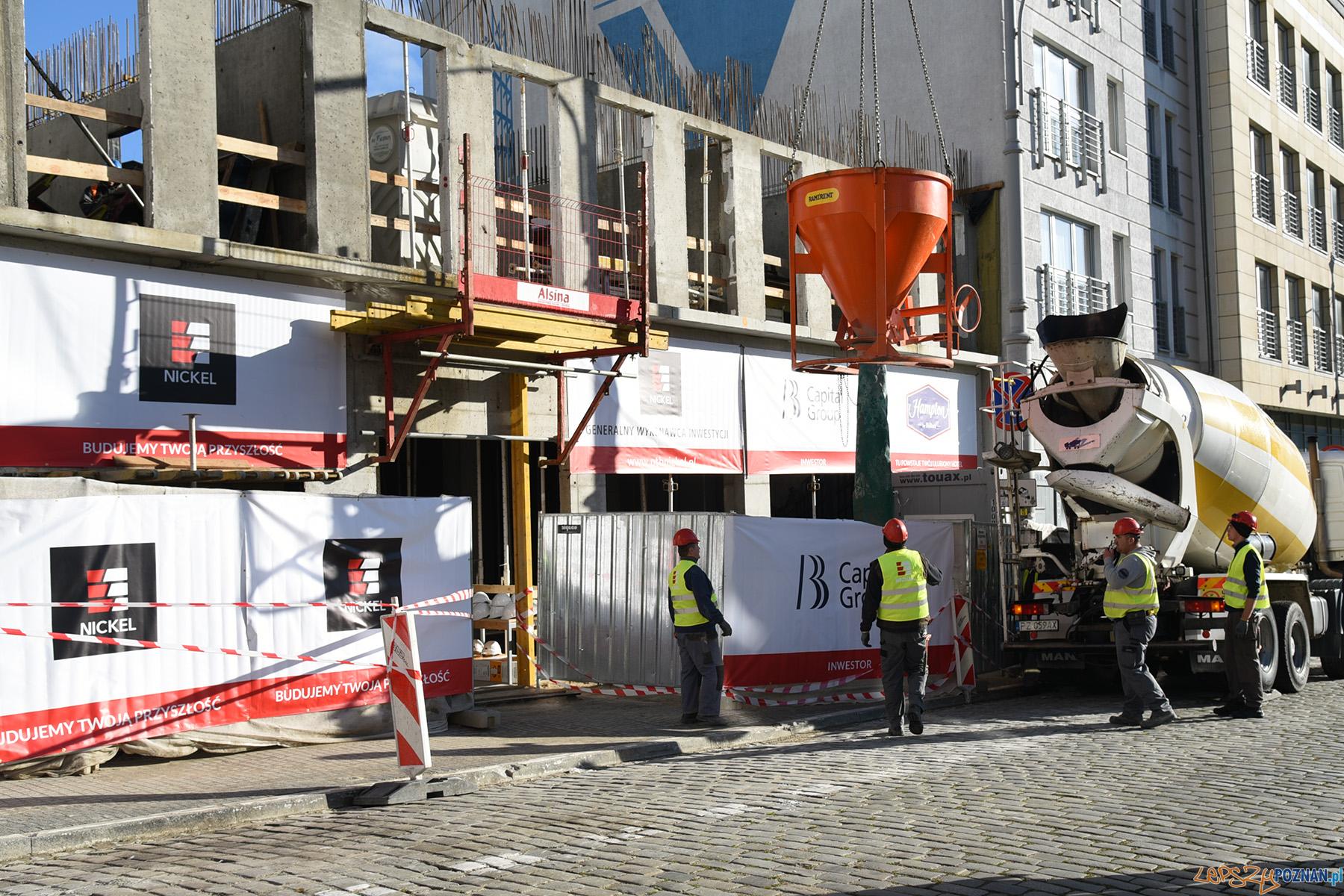 Trwa budowa nowego hotelu przy św. Marcinie  Foto: UMP