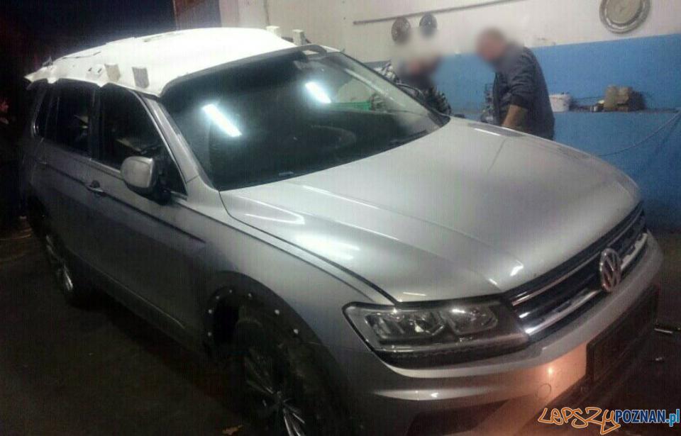 Skradziony w Niemczech volkswagen odnaleziony pod Poznaniem  Foto: KMP w Poznaniu