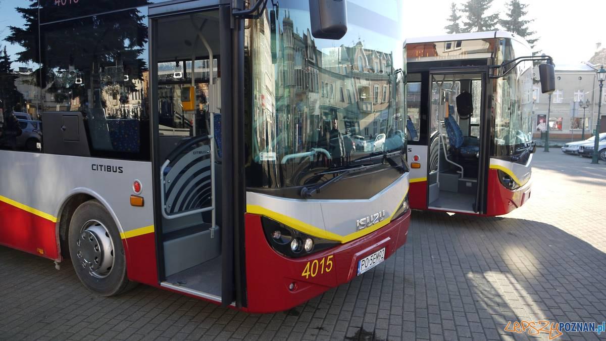 Nowe autobusy w barwach Swarzędza  Foto: T.Radziszewska, M. Szrajbrowski