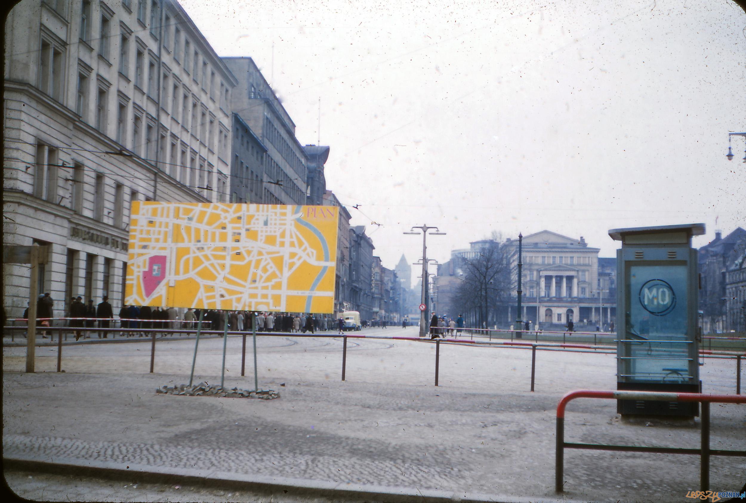 Plac Wolności - koniec lat 50-tych  Foto: Mogens Tørsleff, kolekcja Gorma Rudschinata / Flickr / CC