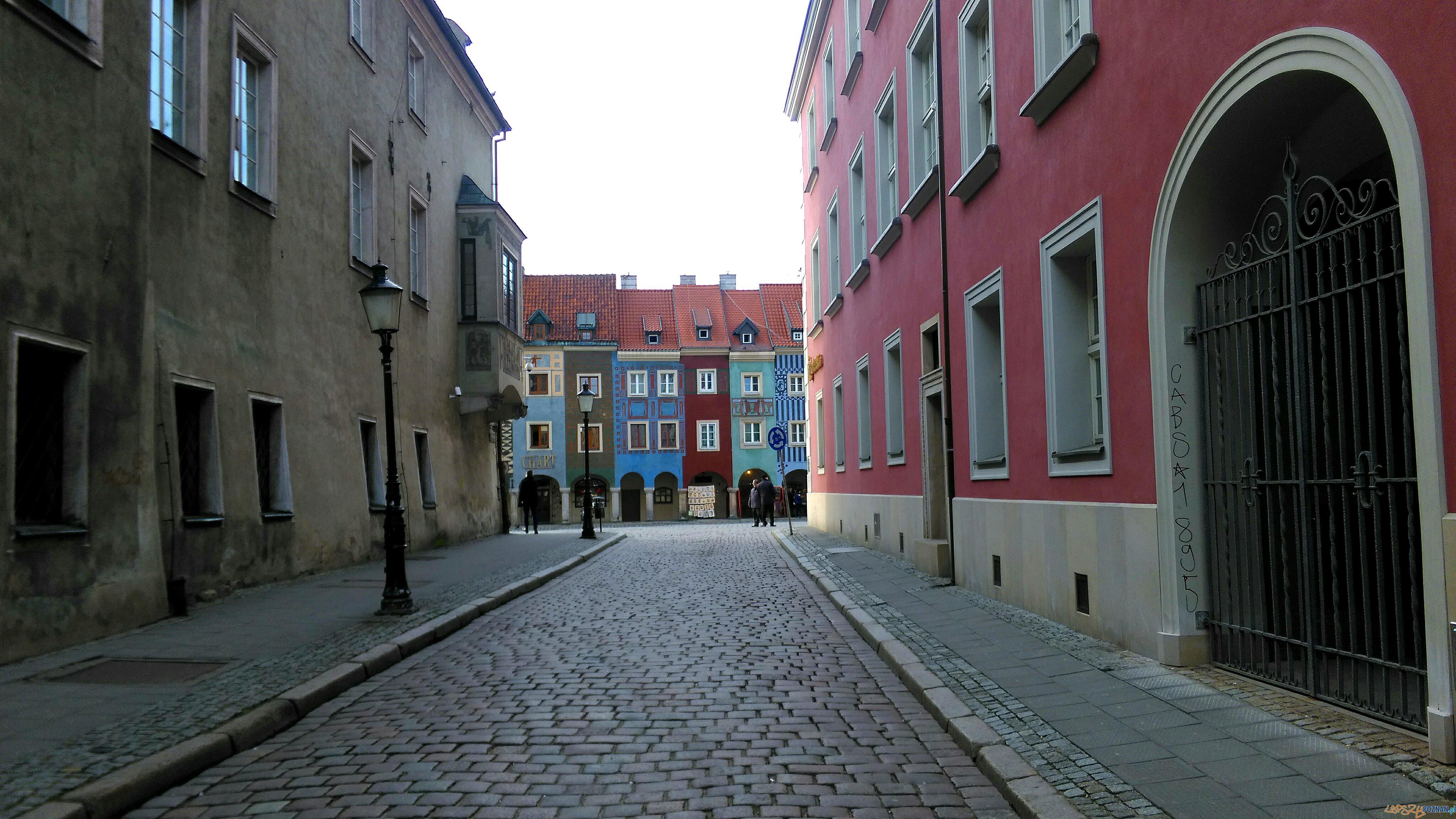 Ulica Woźna - widok ma domku budnicze na Starym Rynku  Foto: T. Dworek