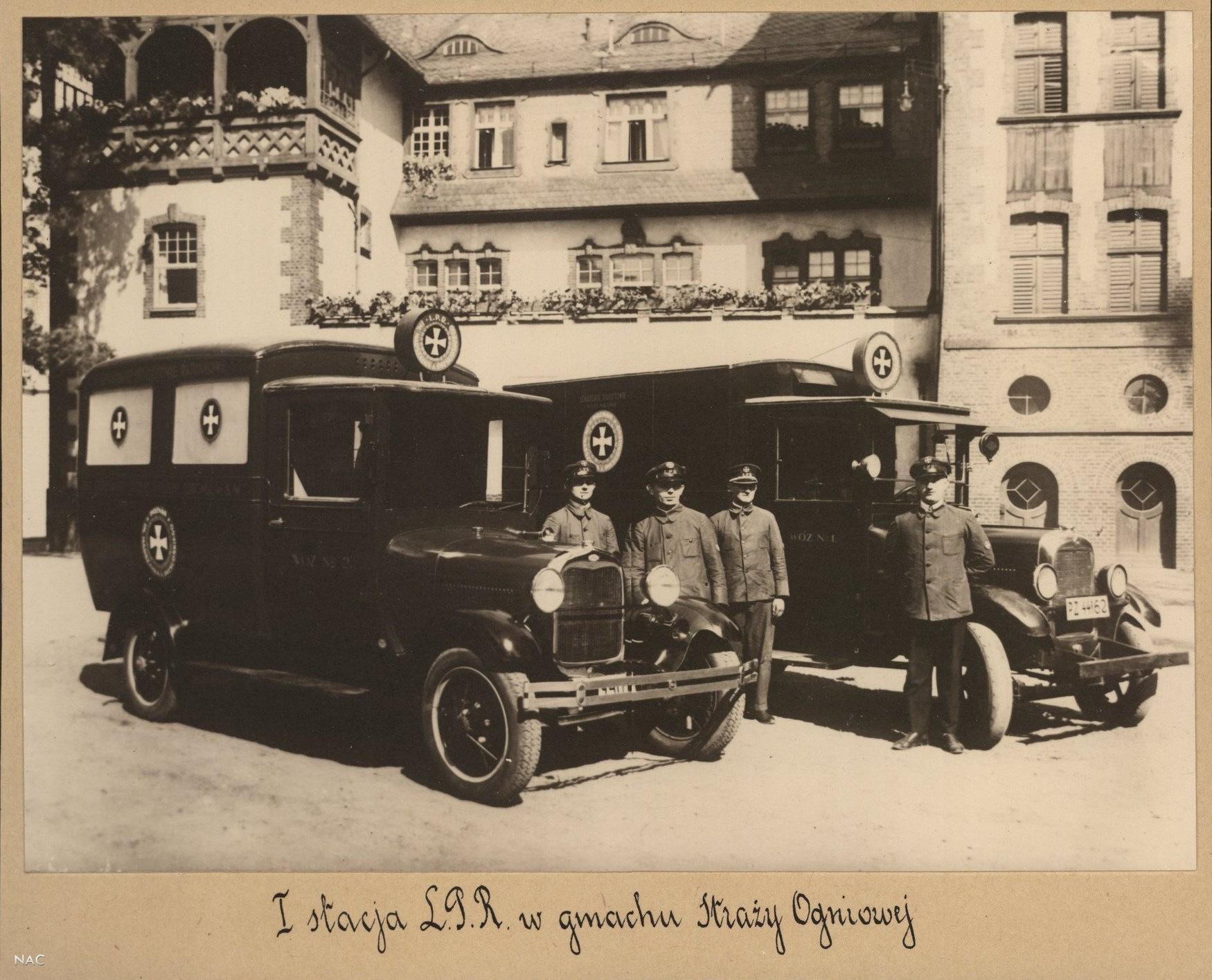 Jednosta Ratowniczo-Gasnicza_Panstwowej_Strazy_Pozarnej 1928  r. - ul. Grunwaldzka  Foto: Archiwum Akt Nowych / fotopolska