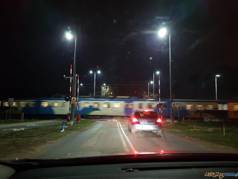Otwarte rogatki na przejeździe kolejowym przy ulicy Biskupińskiej  Foto: Andrzej Ant / Nieformalna Grupa Strzeszyńska