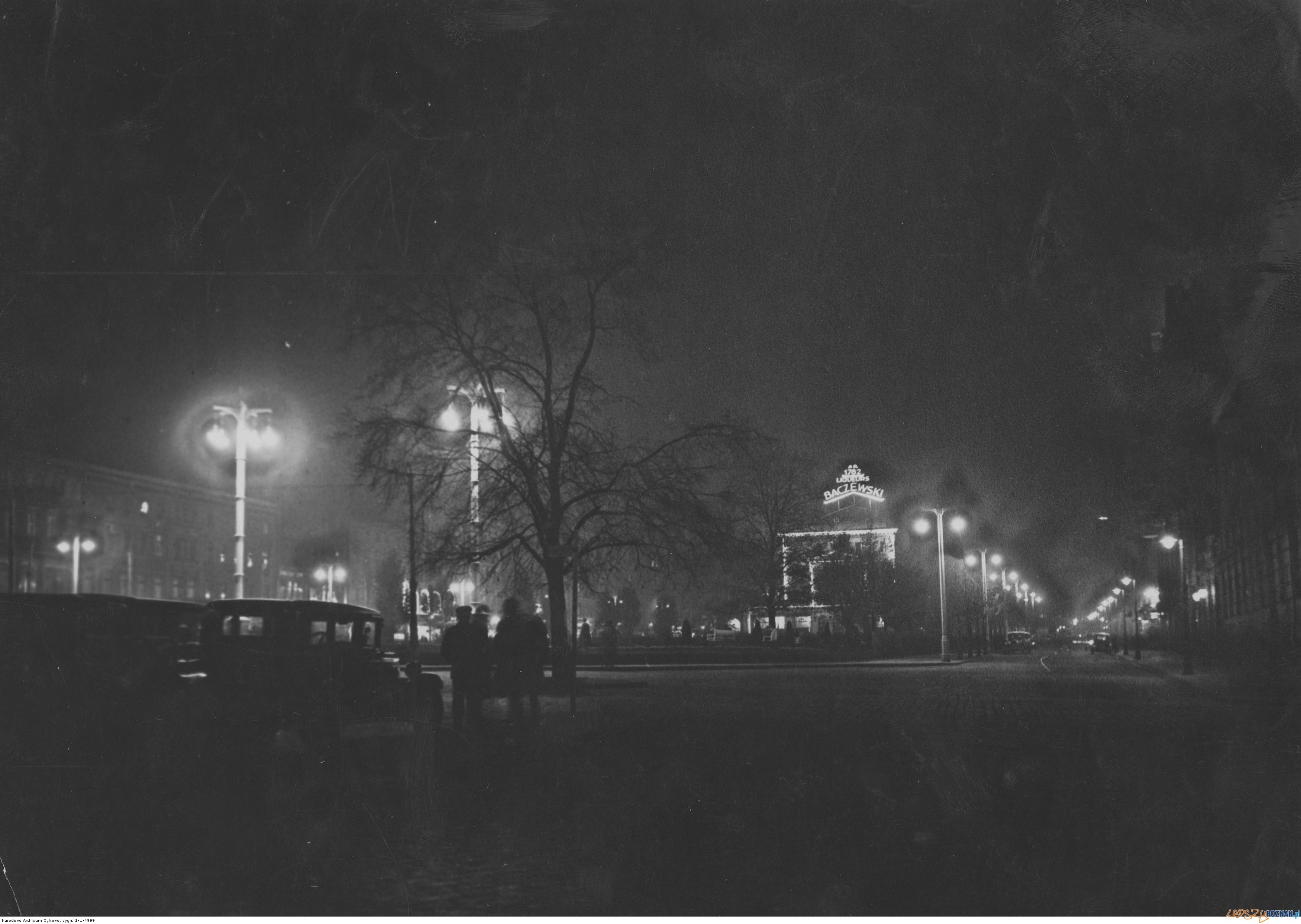 Plac Wolnośći nocą - październik 1929  Foto: IKC / Narodowe Archiwum Cyfrowe