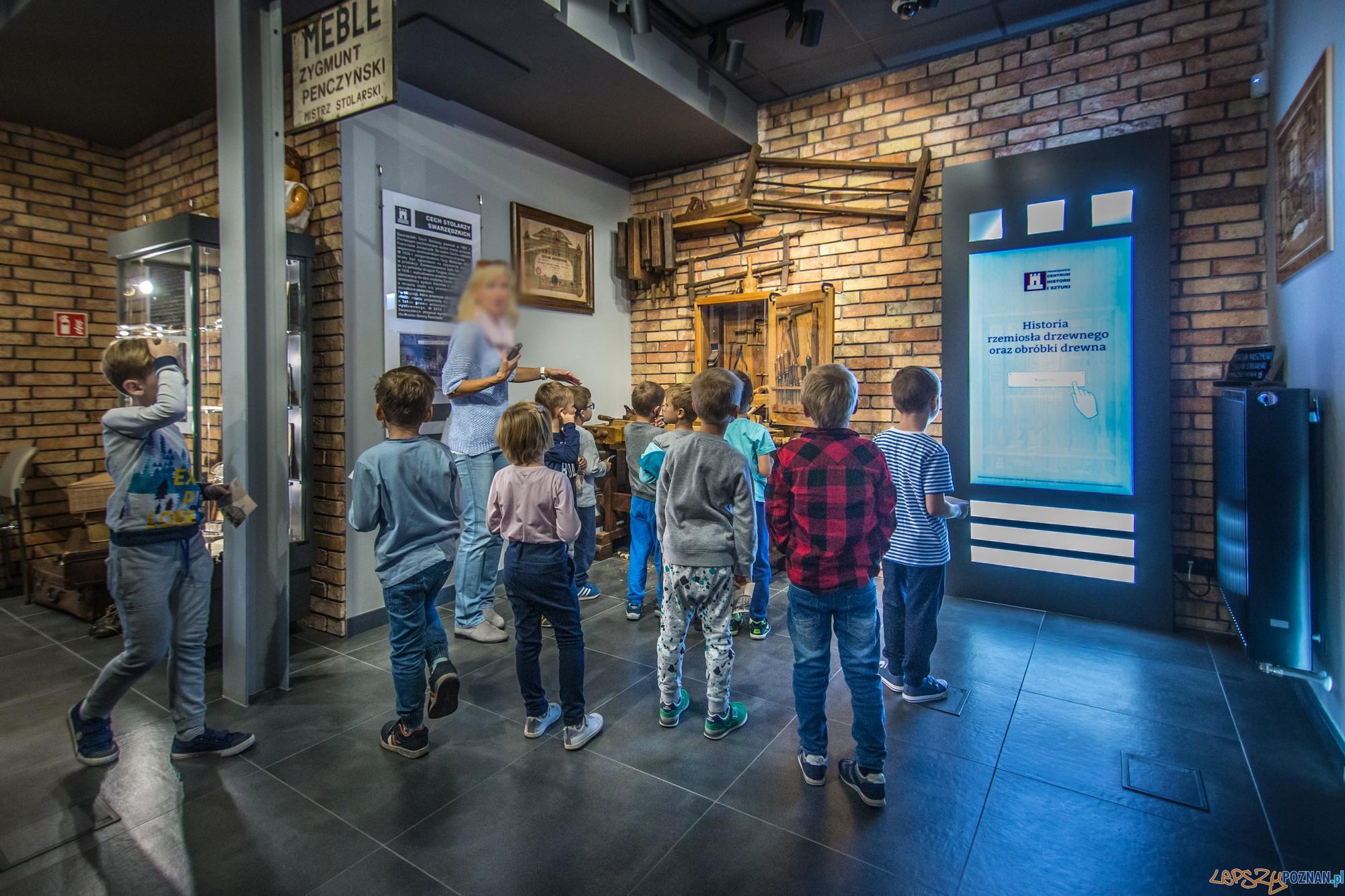 Zwiedzanie Swarzйdzkiego Centrum Historii i Sztuki (fot. Jakub Pindych PLOT)  Foto: materiały prasowe PLOT