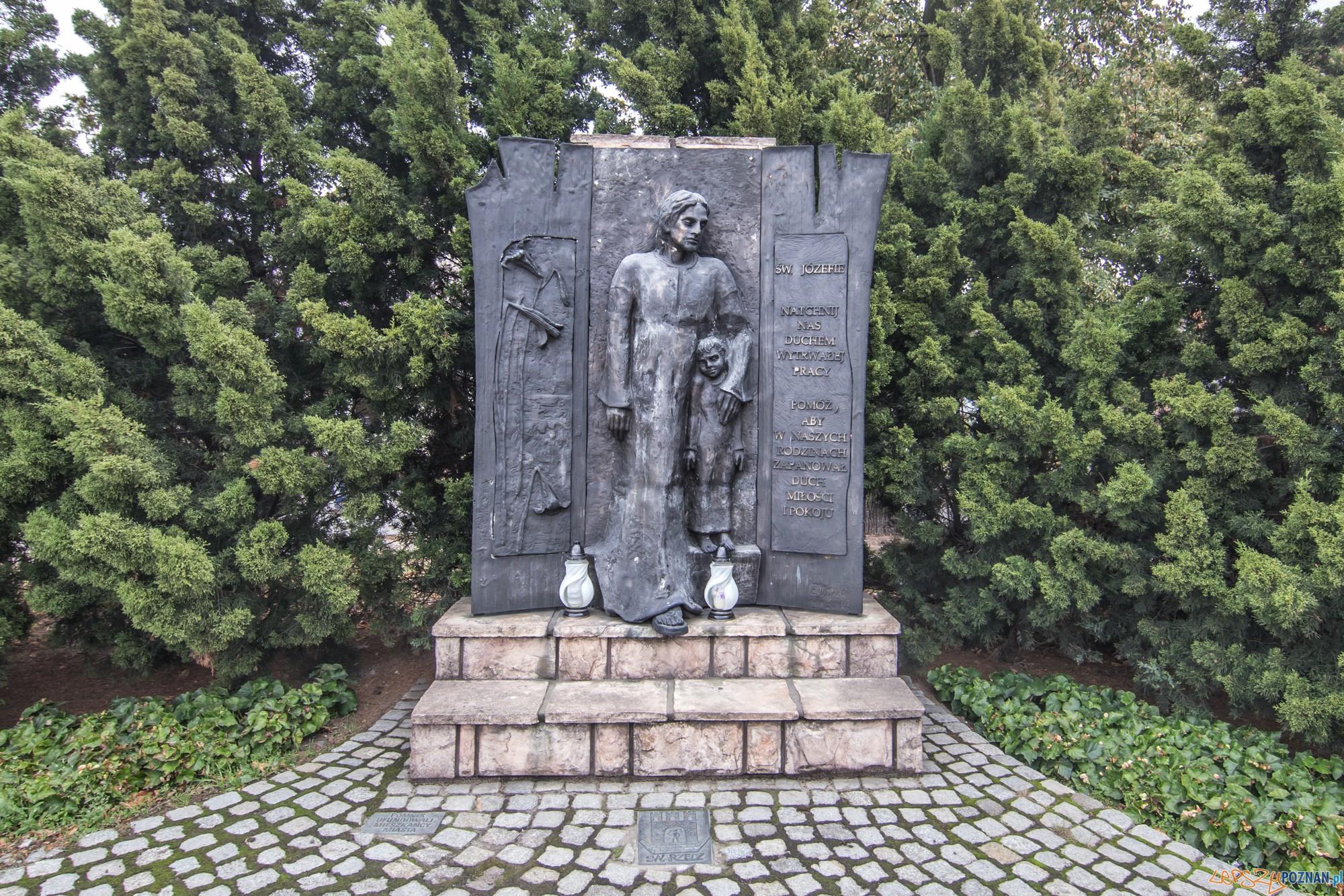 Figura Чwiйtego Jвzefa - patrona stolarzy - w Swarzйdzu (fot. Jakub Pindych PLOT)  Foto: materiały prasowe PLOT