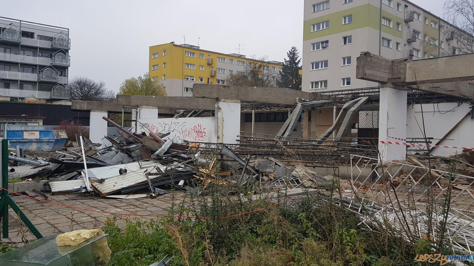 Świt - rozbiórka pawilonów  Foto: ZKZL - materiały prasowe
