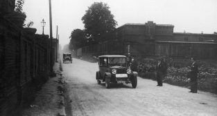 Samochodowy zjazd gwiazdzisty lipiec 1929  Foto: IKC / NAC / lic. CC