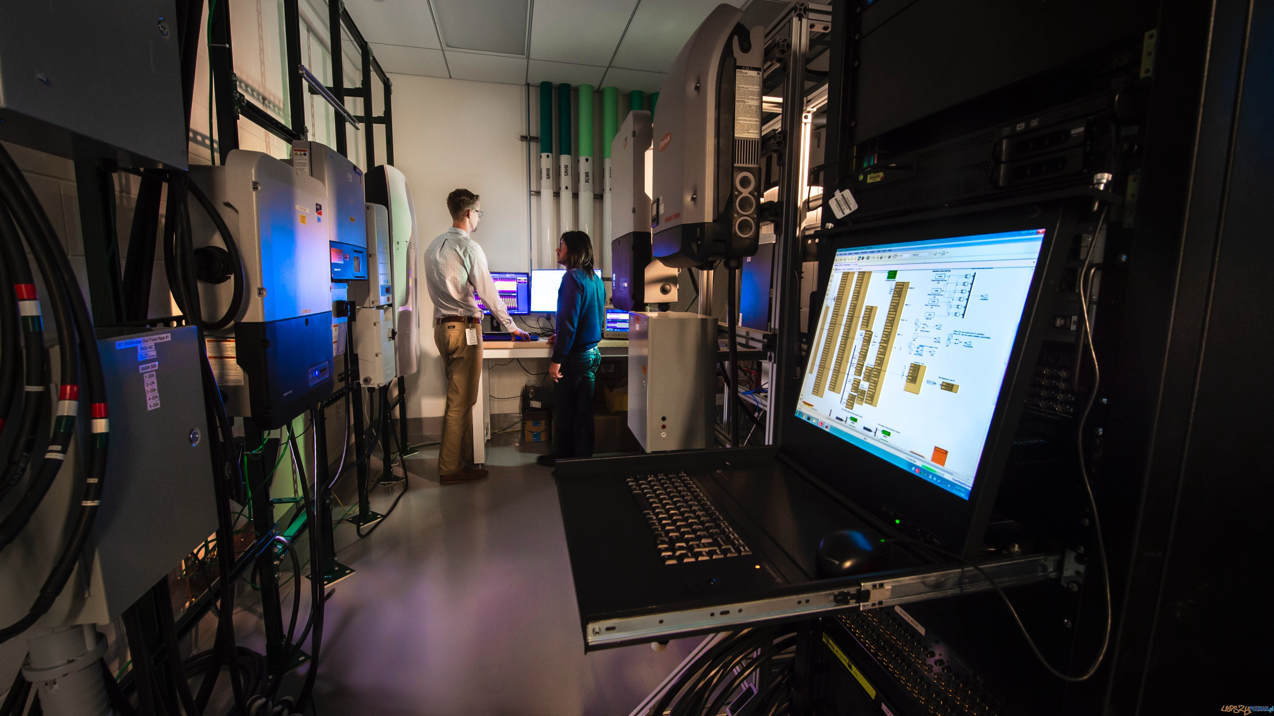 NREL researchers work in the Systems Performance Laboratory  Foto: Science in HD