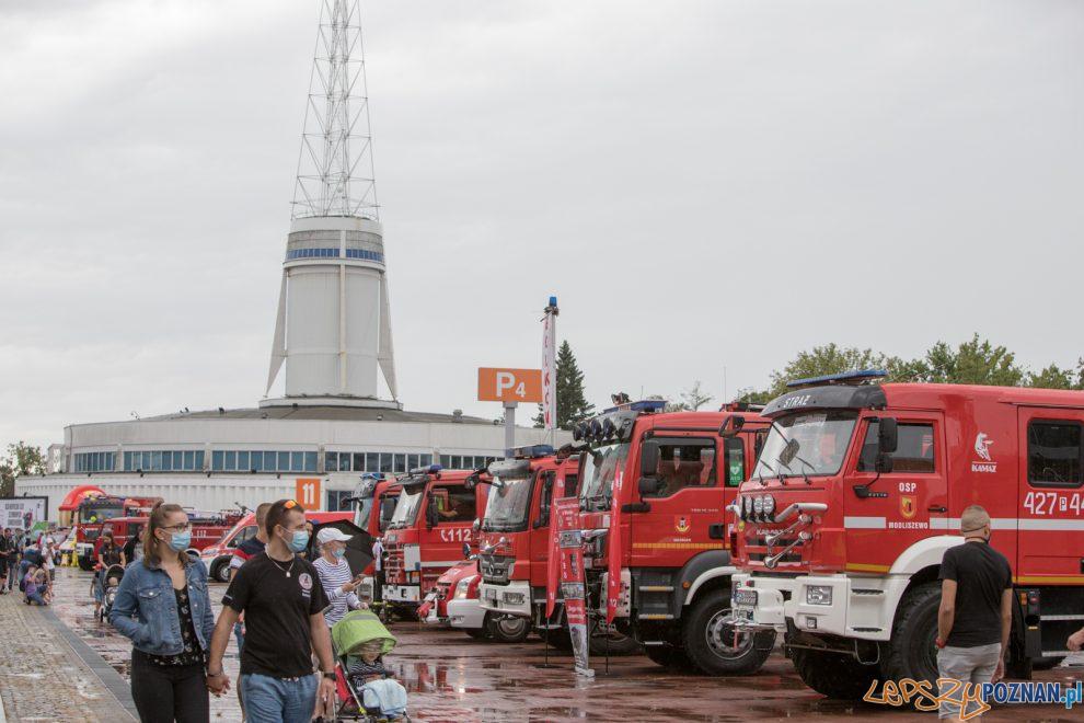 III Zlot Czerwonych Samochodów  Foto: lepszyPOZNAN.pl/Piotr Rychter