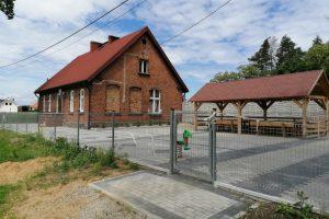 Zrewitalizowany teren przy Świetlicy Wiejskiej w Siedleczku  Foto: UMiG Kostrzyn