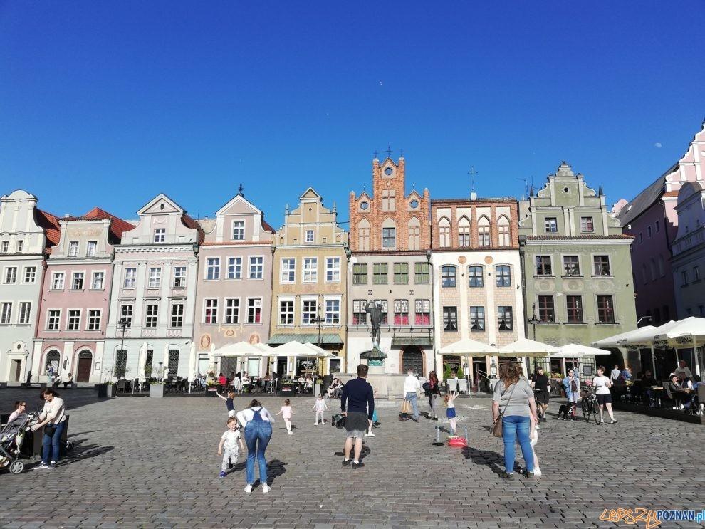 Stary Rynek, pierzeja wschodnia  Foto: Tomasz Dworek