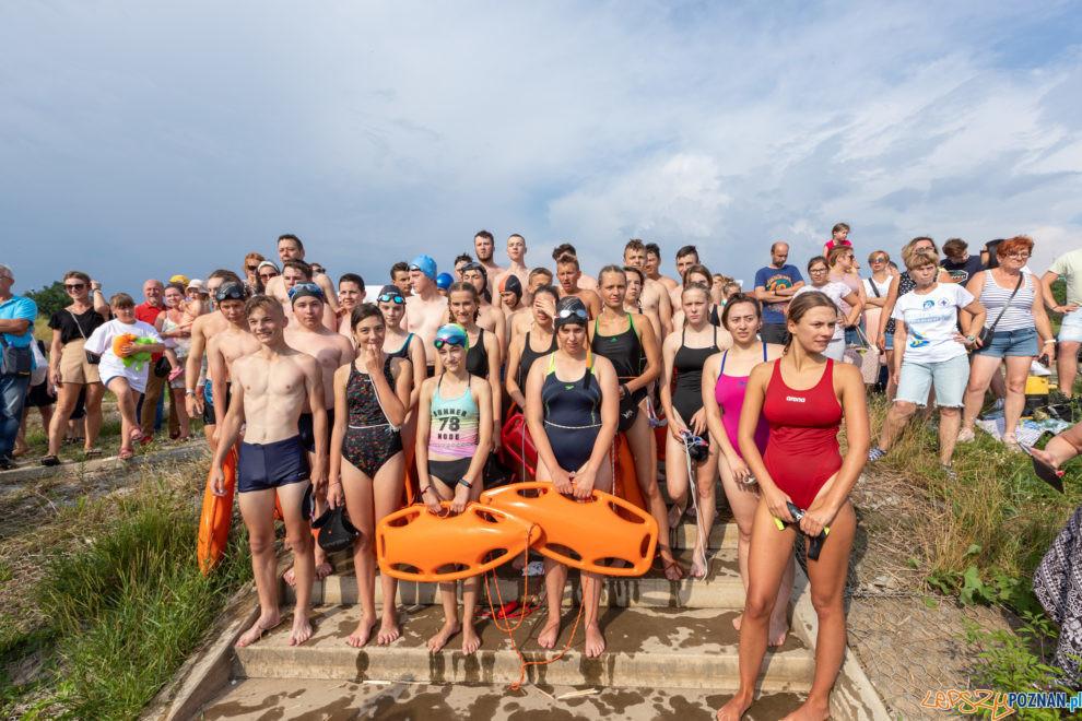 """VII Sztafeta pływacka """"Płyniemy dla Chojraków""""  Foto: lepszyPOZNAN.PL/Piotr Rychter"""