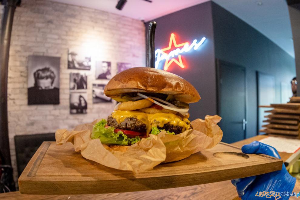 3. Wielki Challenge Hot Burger Champion James Star  Foto: lepszyPOZNAN.PL/Piotr Rychter